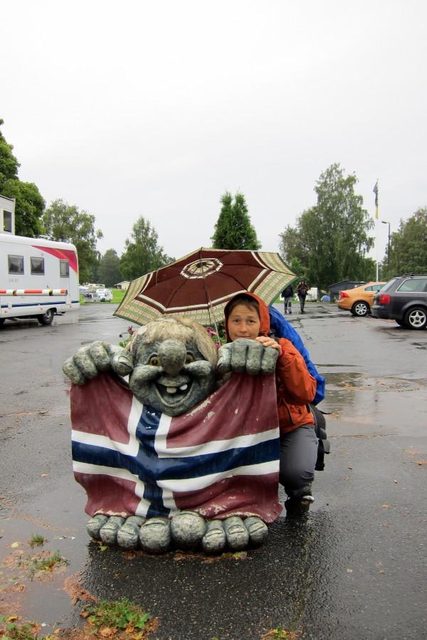 Отзыв о поездке в Норвегию Осло тролль на въезде на кемпинг