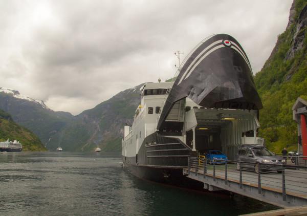 Паром в Гейрангере поездка в Норвегию отчет