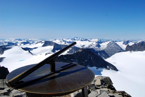 Где находится вершина скандинавских гор