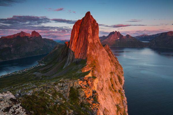 Скала Сегла Парус на острове Сенья Норвегия