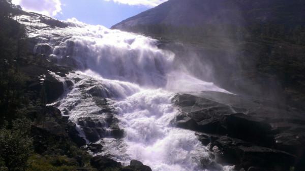 Водопад в Норвегии на реке кинсо