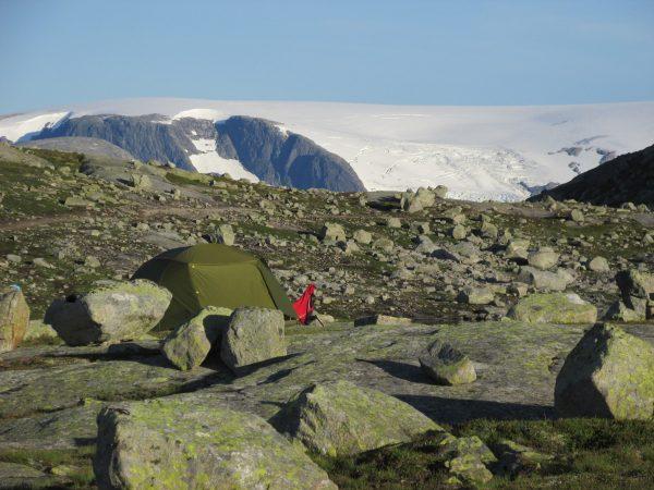 Фолгефонна ночевка в походе на язык тролля норвегия
