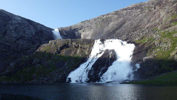 Водопад на плато Хардангер