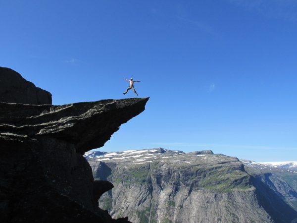 На языке Норвегия trolltunga