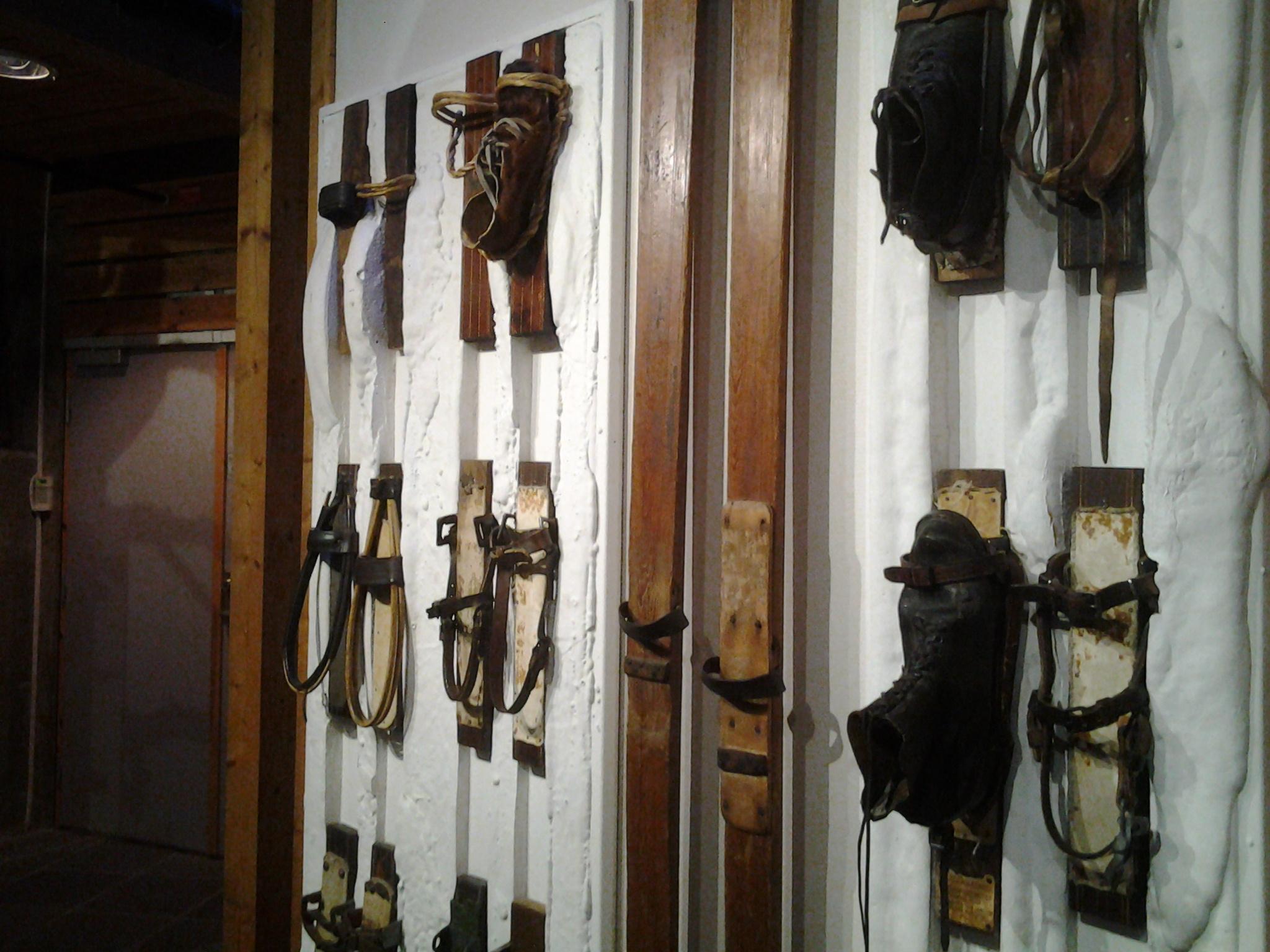 Лыжные крепления в музее Осло