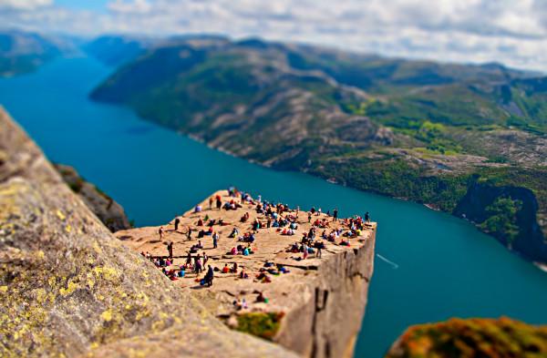 Pulpit Rock Preikestolen Norway Прекестулен кафедра проповедника толпы людей
